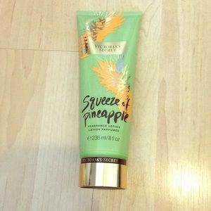 VS Squeeze of Pineapple Lotion